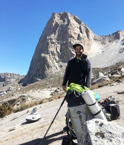 Diego Zurek ACGME - WFR - Aspirante UIAGM La escalada y el montañismo hacen parte de mi vida. Arquitecto de profesión, abandoné la carrera para vivir como guía de montaña.